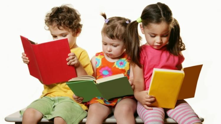 Çocuklarınızın Bu Yazı Kitap Okuyarak Geçirmeleri İçin 10 İpucu